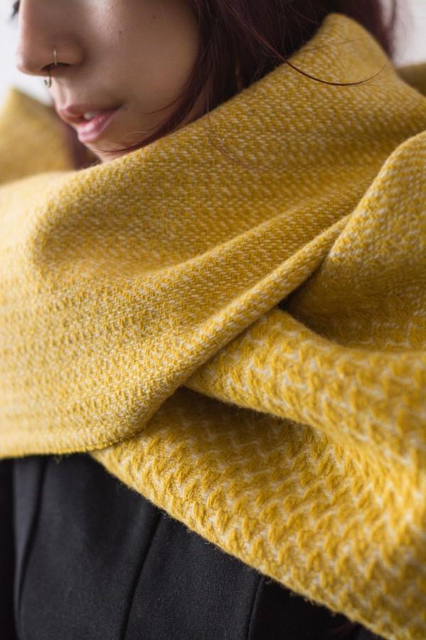 Cachecol Nuvem Andorinha Amarelo